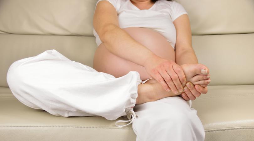 pregnancy swollen feet