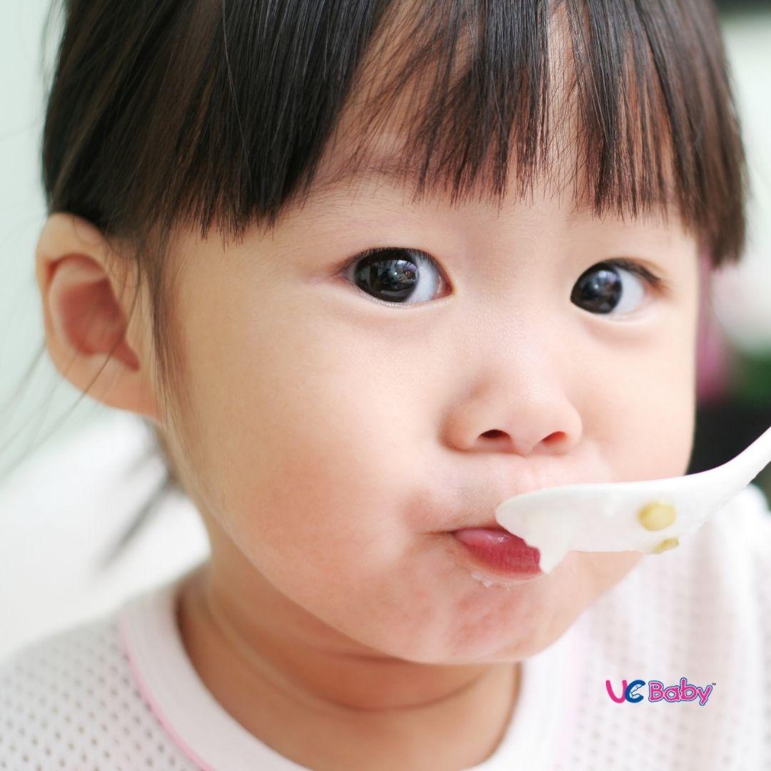 UCBABY Blog 012021 - Toddler Milestone Feeding-2